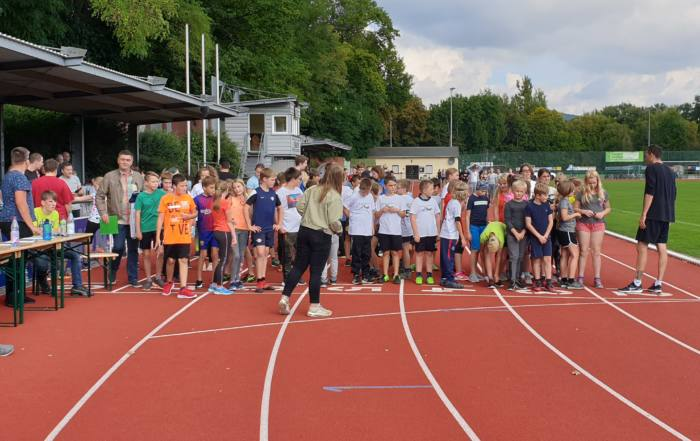 Startschuss beim Spendenlauf der SABEL Schule Saalfeld